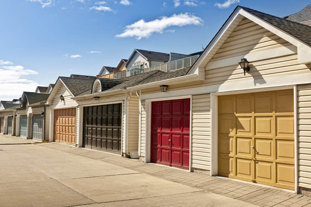 A Short Guide to Garage DoorsLearning Center on Garage Door Color  id=36060