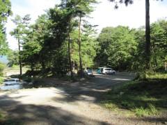 川沿いのキャンプサイト