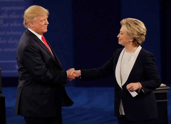 Image of Donald Trump and Hillary Clinton shaking hands at the debate