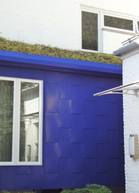 A Green or Live Roof via the Decor Girl