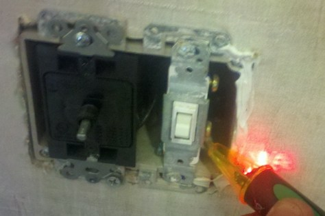 testing power with electrical tester