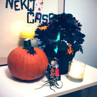 Halloween Decorating :: Dead Flower Centerpiece