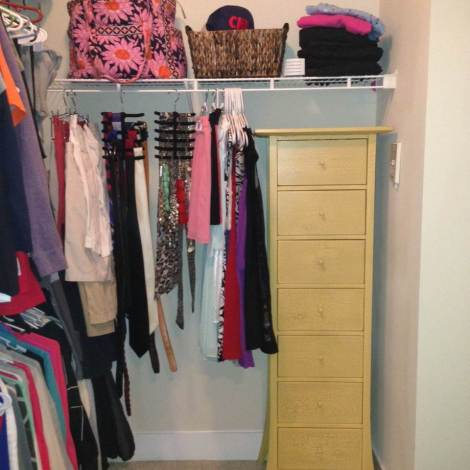 Incorporate Furniture in the MultiPurpose Walk-in Closet