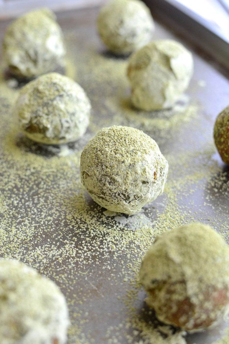 Green Tea Powdered Donut Holes 051