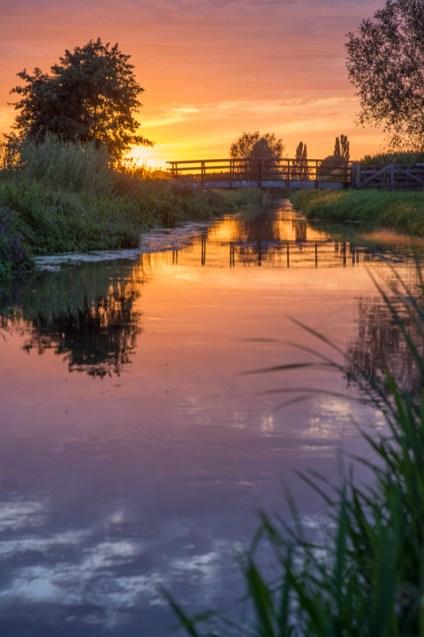 Een prachtige zonsondergang aan de Leijgraaf.