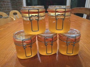 Read more about the article Recept: Armeluis honing van Moerasspirea