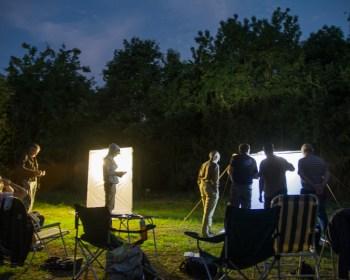 Nachtvlinders inventariseren met behulp van een nachtvlinderlaken.