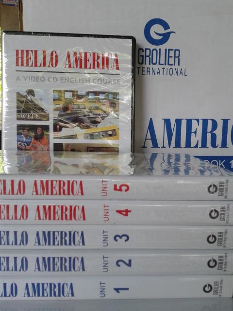 Hello America Buku