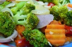 , Resep Membuat Tumis Brokoli Wortel Bakso Special