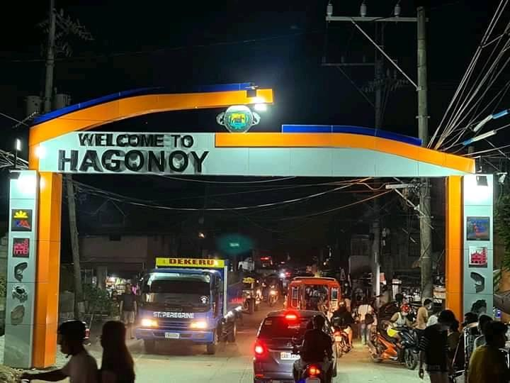 Mayor's Name Removed From New Hagonoy Welcome Arch 1