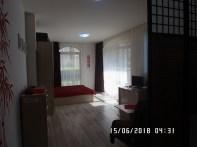 Wnętrze apartamentu czerwonego - widok 3