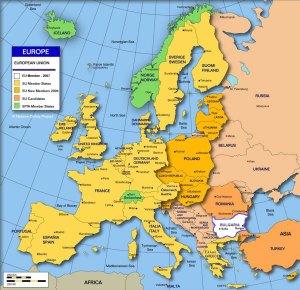 Европейският съюз (съкратено ЕС, Евросъюз) е политически и икономически съюз между 27 държави, разположени предимно в Европа. Създаден е с Договора за Европейския съюз (ДЕС), широко известен като Договора от Маастрихт, на 1 ноември 1993 г., въз основа на предхождащата го Европейска икономическа общност. С население от 500 милиона души ЕС създава приблизително 30% (US$18,4 трилиона през 2008 г.) от номиналния брутен световен продукт. България става член на НАТО на 2 април 2004 и член на ЕС на 1 януари 2007. Членството на България в ЕС няма алтернатив, въпрос, по който управлявалите страната партии и коалиции през последните повече от 15 години са имали почти пълен консенсус.Първите доклади за този напредък бяха публикувани през юни 2007 г., вторите - на 4 февруари 2008 г., третите - на 23 юли 2008 г., четвъртите - на 12 февруари 2009 г., а петите на 22 юли 2009 г. Последният казва: Широкоразпространеното съществуване на организирана престъпност и корупция вече не се отрича и  прокуратурата и съдебната власт полагат известни усилия, за да се справят с тези проблеми. ... убийствата, свързани с организираната престъпност, продължават, а известни престъпници не са задържани.