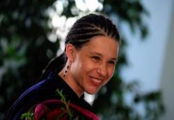 ългарката, която бе отвлечената в Сомалия Данка Панчова е родом от пазарджишкото село Сарая. Майката й бе човекът, който я придружи от Париж до София. Родителите й са живели доскоро в Пазарджик, но преди няколко години са се върнали в селото, където имат оранжерии. Те са разбрали за отвличането на дъщеря си от служител на фондацията