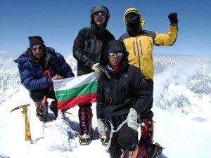 Гашербрум-1, 8068 м, 26 юли 2009 Николай Петков, Николай Вълков, Дойчин Боянов и Боян Петров (отляво надясно) ФОТО: експедиция