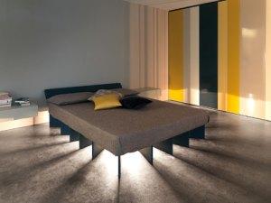 Малко вероятно е да сте виждали досега нещо подобно на спалнята Beam Bed. То генерира светлина от центъра на легло, под матрака. Лакираните дървени плоскости, върху които се крепи самото легло имат и важна естетическа функция - разположени  в кръг около центъра на леглото, където се намира и светлиния източник, плоскостите служат за проектиране на светлинните лъчи. Така, погледната от страни, Beam Bed се превръща в необикновено слънце, което разпраща светли лъчи към всички посоки на стаята.