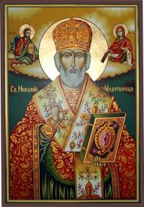 Свети Никола Мирликийски Чудотворец е е известен като противник на езичеството и арианството. След смъртта си е почитан като светец и покровител на моряците, търговците и затворниците.