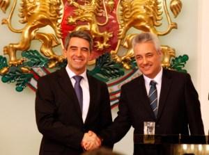 Президентът Росен Плевнелиев издаде указ за назначаването на служебното правителство със служебен министър-председател и министър на външните работи Марин Райков.