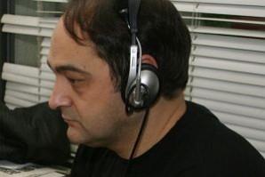 Людмил Стоянов Кърджилов е български журналист от ДАРИК РАДИО.