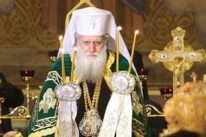 Неофит Български е глава на Българската православна църква с титлата Патриарх Български и митрополит Софийски от 24 февруари 2013 г. Роден е в София на 15 октомври 1945 г. със светско име Симеон Николов Димитров в работническо, безпартийно и силно религиозно семейство.