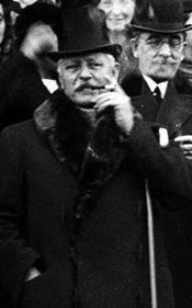 Александър Павлов Малинов е лидер на Демократическата партия и министър-председател на България в 30-тото (1908-1910), 31-вото (1910-1911), 36-тото (1918), 37-ото (1918) и 46-ото (1931) правителство. Той е председател на XXIII Обикновено Народно събрание (1931-1934).
