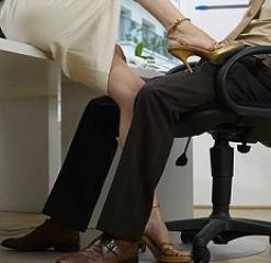 Колко време може да си секси колежката за колегите? Замислих се, защото подочух мъжки разговор-класация в офиса на тема: