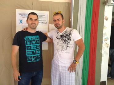"""Сезай Халибрям (л) и Радослав Кайраманов (д): """"Тук сме, защото сме българи"""", в ИС секция в Сънивейл, Калифорния"""