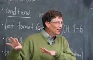 """Уилям Хенри Гейтс III (Бил Гейтс, род.1955) е американски програмист и бизнесмен, съосновател на компанията """"Microsoft"""". Най-богатият на планетата с $76.6 Млрд. (Юни 2016)."""