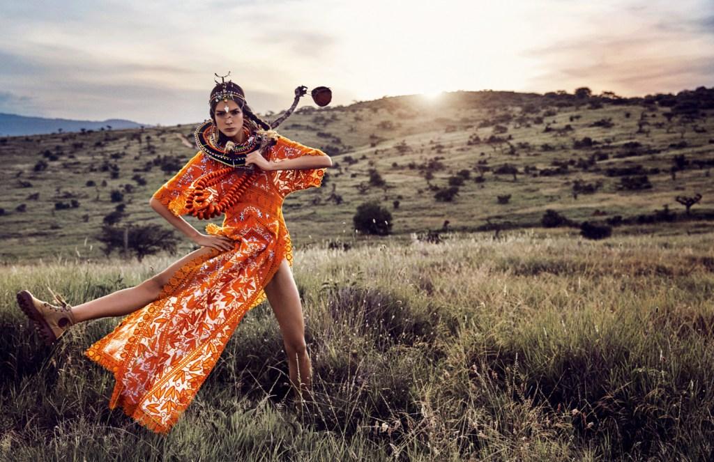 Публикация: Vogue Japan May 2016 Модел: Renata Zandonadi Фотограф: Erik Torstensson Моден едитор: Giovanna Battaglia