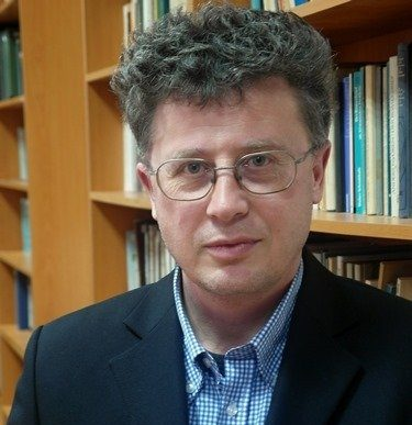 """""""Да си патриот не означава да си националист или шовинист, а да обичаш своята родина"""" – интервю с гл. ас. д-р Росен Русанов от ВТУ"""