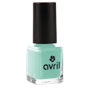vernis-a-ongles-bleu-lagon-vernis-bleu-ete-2018