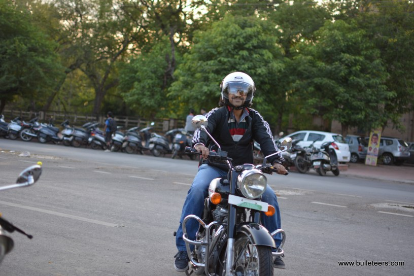 Bulleteers, Royal Enfield Riders from Gwalior, have a breakfast ride around gwalior Bypass, starting from the Sitholi cut to the Malanpur cut and back to the city.
