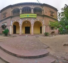 Holipura, the village near agra full of havelis dating back a few centuries.
