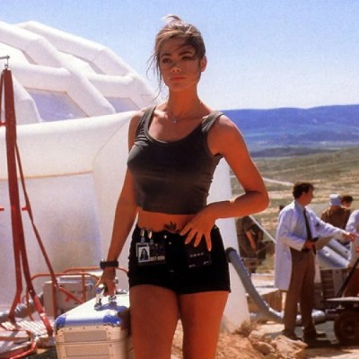 denise-richards-in-the-world-is-not-enough-215130_w650