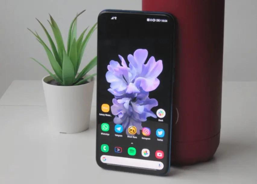 Download The Samsung Galaxy Z Flip Wallpapers Bullfrag