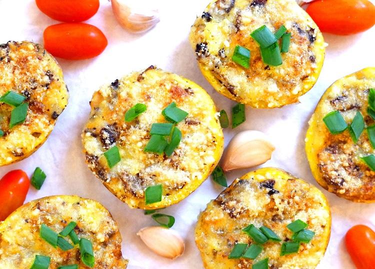 Ziemniaki zapiekane z pieczarkami i mozzarellą