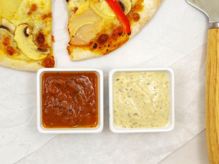Sosy do pizzy (pomidorowy i czosnkowy)