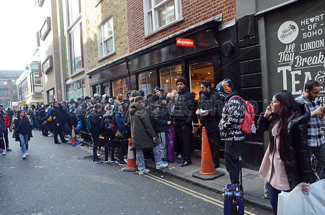 Il marchio Supreme è ad oggi il più cool nel panorama dello streetwear di lusso a livello mondiale