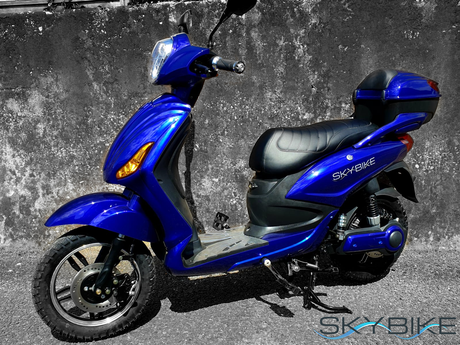 Sky-Bike-Blue-Side