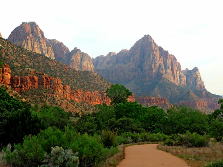 family hikes in zion