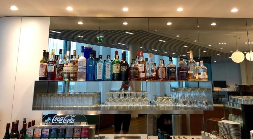 lufthansa senator lounge münchen muc terminal 2 satellitengebäude bar