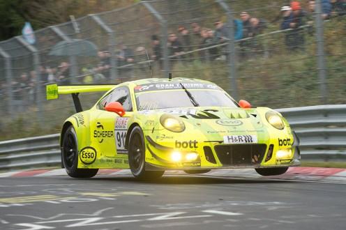 Der Manthey-Porsche war mit fünf Siegen das Maß der Dinge in der Saison 2017.