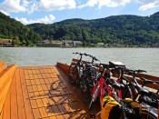 Hol über: Auf der Route kann die Uferseite oft frei gewählt werden, Radwege gibt's meist beidseitig.