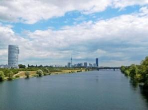 Krasser Kontrast: Nach Tagen in der Natur kommt einem die Millionenstadt Wien fast unwirklich vor.