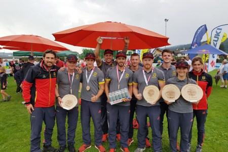 Erneuter Medaillenregen beim Weltcup im Fallschirmzielspringen
