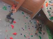 Das letzte Duell brachte die Entscheidung im Mannschaftswett- bewerb. Der österreichische Kletterer war nur Sekundenbruchteile schneller als sein Kontrahent aus der Strub.