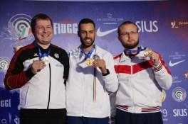 Nur der Italiener Riccardo Mazzetti (Mitte) verhinderte den Schnellfeuertriumph von Olympiasieger Christian Reitz (li.).