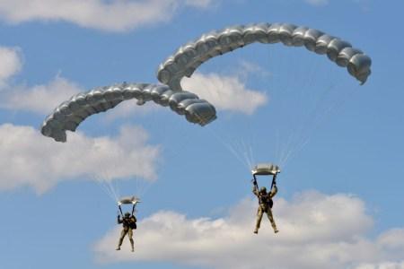 Vom Beruf zum Hobby – ziviles Fallschirmspringen  Ein Bericht des Deutschen Fallschirmsportverbandes