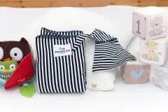 Stripy wrap bundle with bag and hat