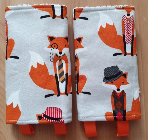 Suck pads with a fox print