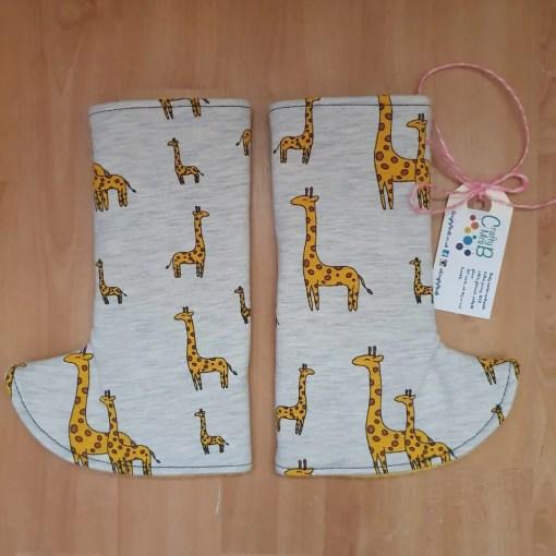 Curved Giraffe print suck pads